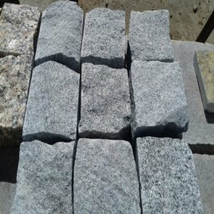 brystatka granit 300x300 - Брусчатка Исетская пилено-колотая