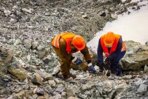 Специалисты компании производят геологоразведку