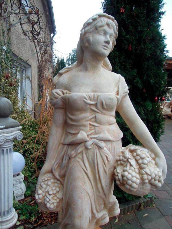 """Античная скульптура """"Девушка с корзинами винограда"""""""