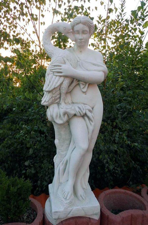 "Античная скульптура ""Девушка с лебедем"""