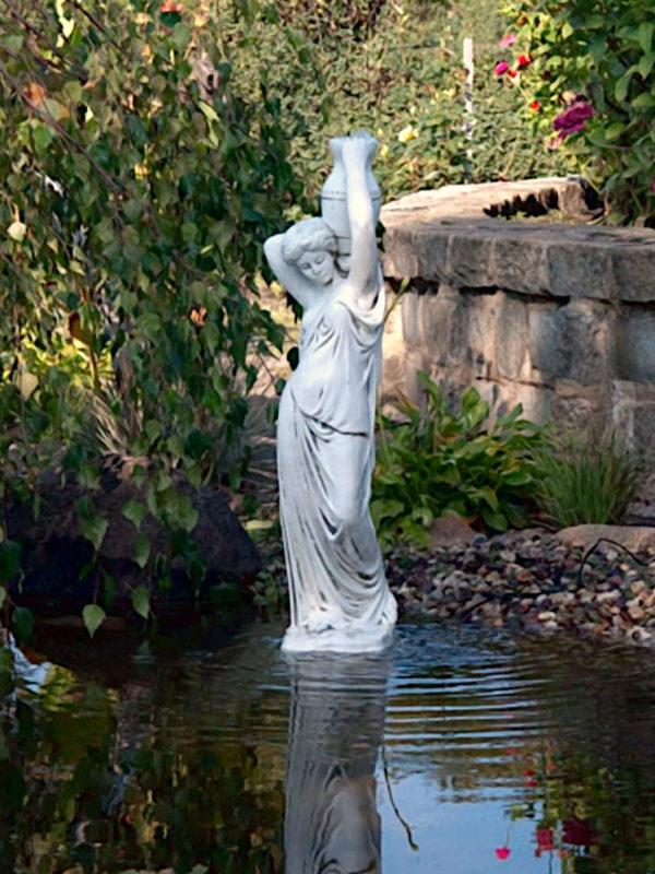 """Скульптура античная """"Девушка с кувшином на плече"""""""