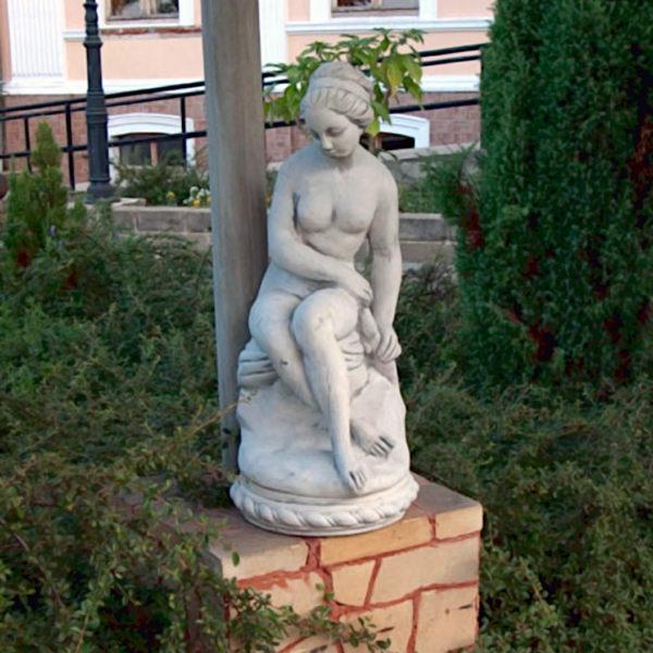 """Скульптура античная """"Обнажённая девушка"""""""