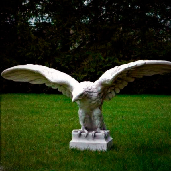 "Скульптура ""Орёл в полёте"""