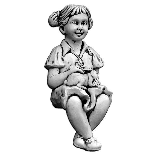 """Скульптура """"Девочка с зайцем"""""""