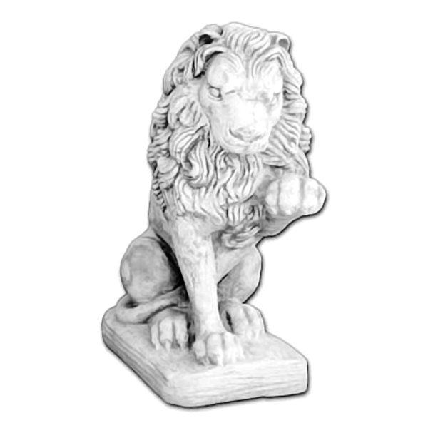 """Скульптура """"Лев с поднятой лапой"""""""