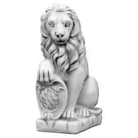 "Скульптура ""Лев сидит, со щитом"""