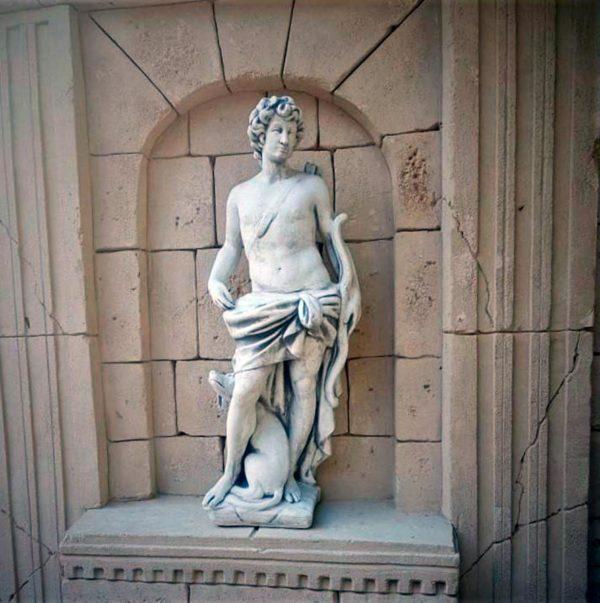 """Античная скульптура """"Охотник с луком и стрелами"""""""